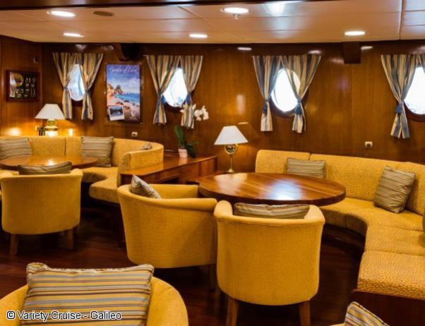 goelette-galileo-variety-cruise-salon-interieur
